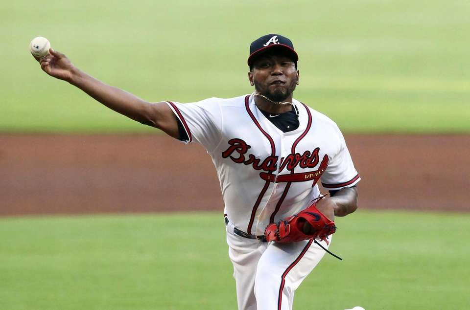 Atlanta Braves Julio Teheran pitches against the New