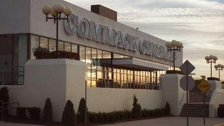 Lowe's has filed a plan for the Commack
