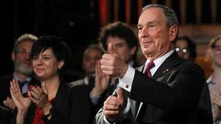 Mayor Bloomberg gives the thumbs up after delivering