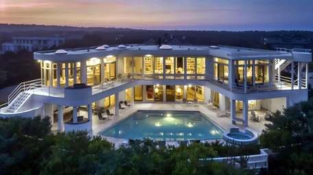 This Amagansett home is on the market for