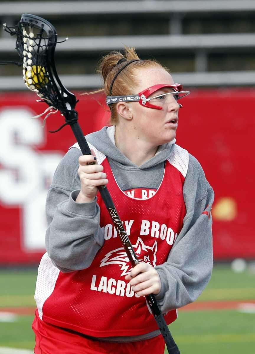Stony Brook attack Claire Petersen during practice. (Feb.
