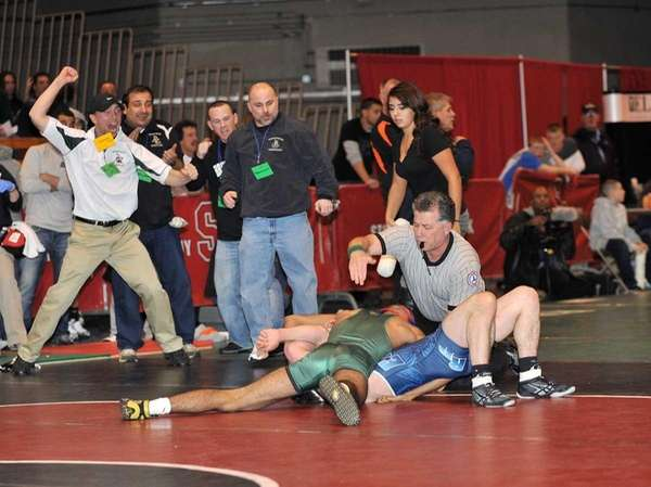 Coaches and spectators go wild as Diego Ramirez