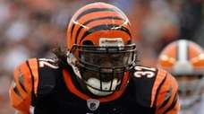 Then-Cincinnati Bengals running back Cedric Benson runs for