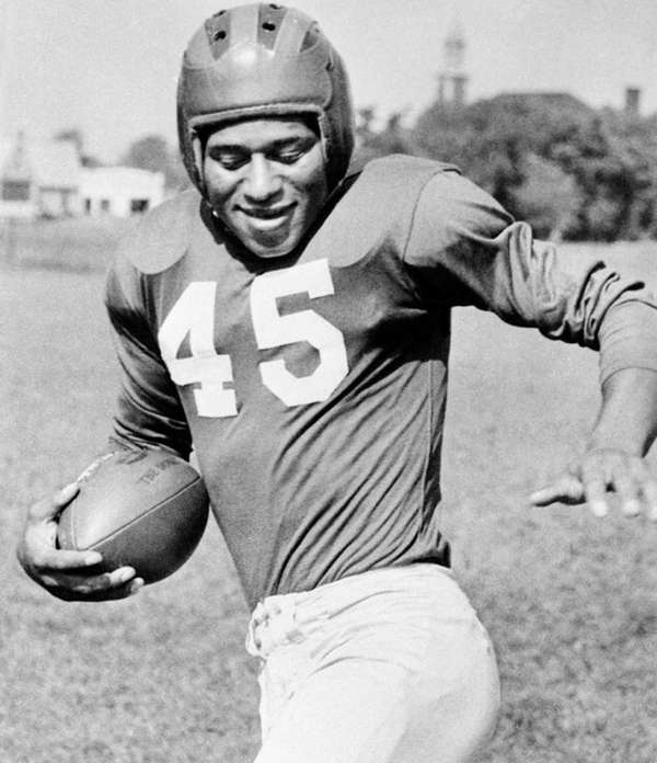 Emlen Tunnell of the Giants in 1949.