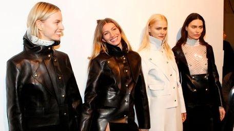 L-R: Karolina Kurkova, Gisele Bundchen, Carmen Kass and