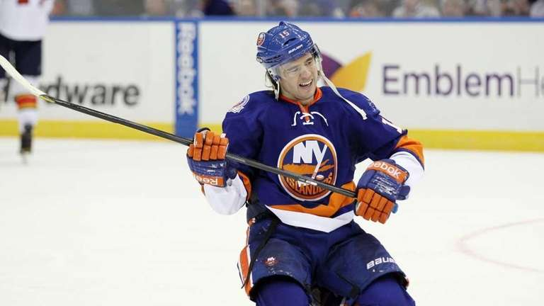 P.A. Parenteau #15 of the New York Islanders