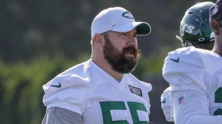 Jets center Ryan Kalil did not wear pads