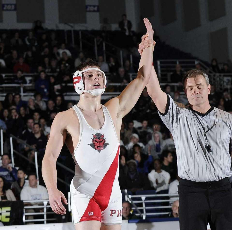 Plainedge's Dan Spurgeon won the170-pound Division I title