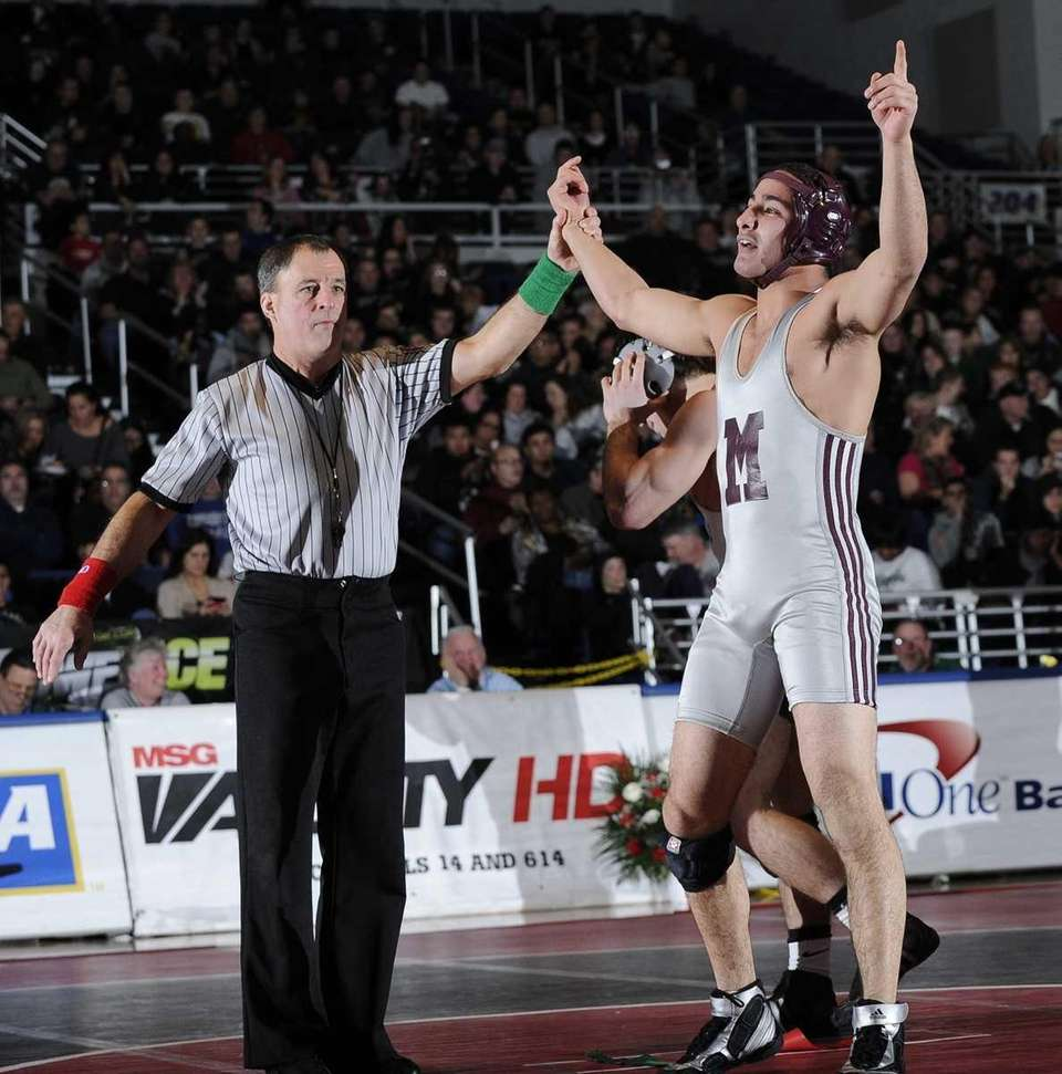 Mepham's Louis Hernandez won by a pin in