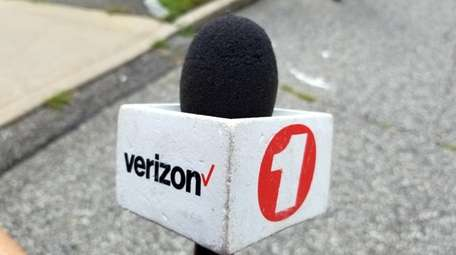 Verizon will shut down its local television news