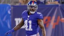 Giants free safety Antoine Bethea lines up during