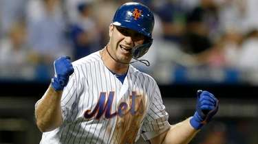 Pete Alonso of the Mets follows reacts after