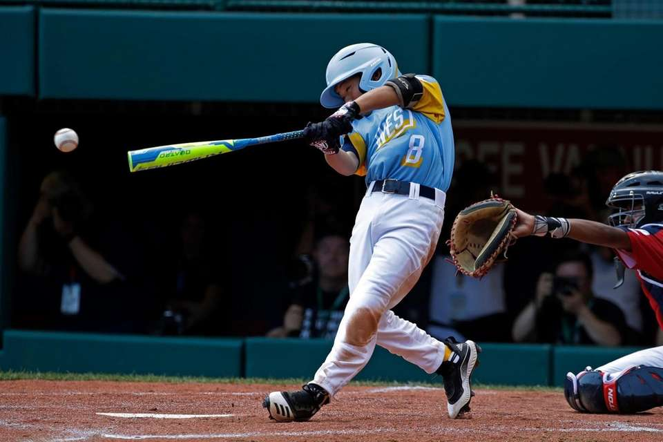 Hawaii's Nicholas Nashawa drives in two runs with