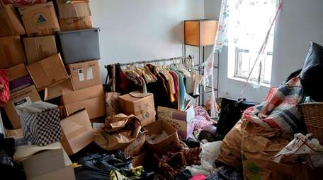 For hoarders, untangling a mess is not as