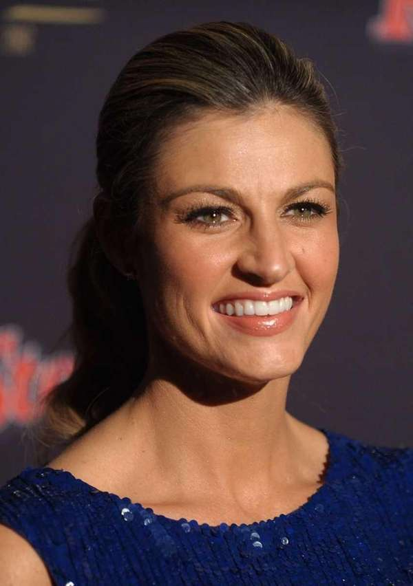 Sportscaster Erin Andrews arrives at Rolling Stone's Bacardi