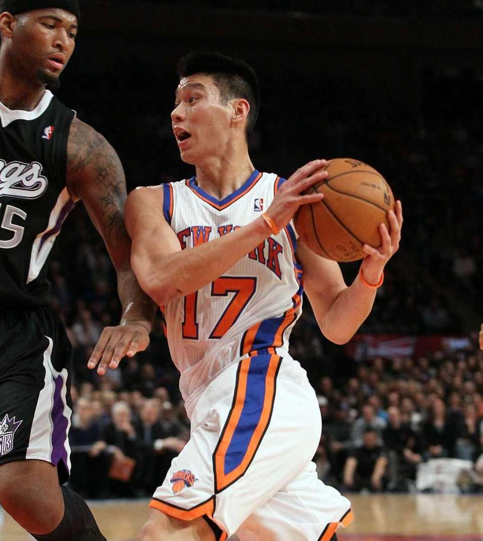 Jeremy Lin of the New York Knicks drives
