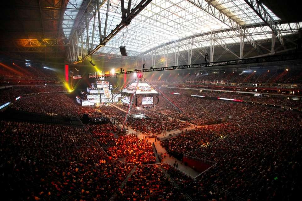 72,219 spectators pack University of Phoenix Stadium for