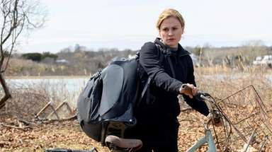 Anna Paquin as Joanie in season 5 of