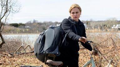 Anna Paquin as Joanie in season 5 of