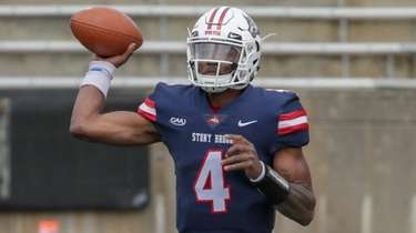 Stony Brook quarterback Tyquell Fields