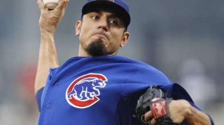Chicago Cubs pitcher Matt Garza delivers during the