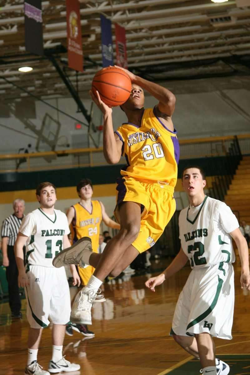 Oyster Bay HS's David Carl scores two points