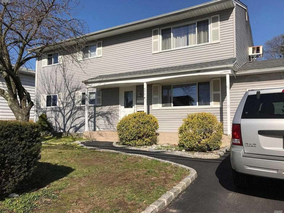 This apartment in this Farmingdale two-family home, for