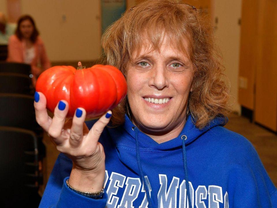 Meryl Hart of Lindenhurst and her tomato entry