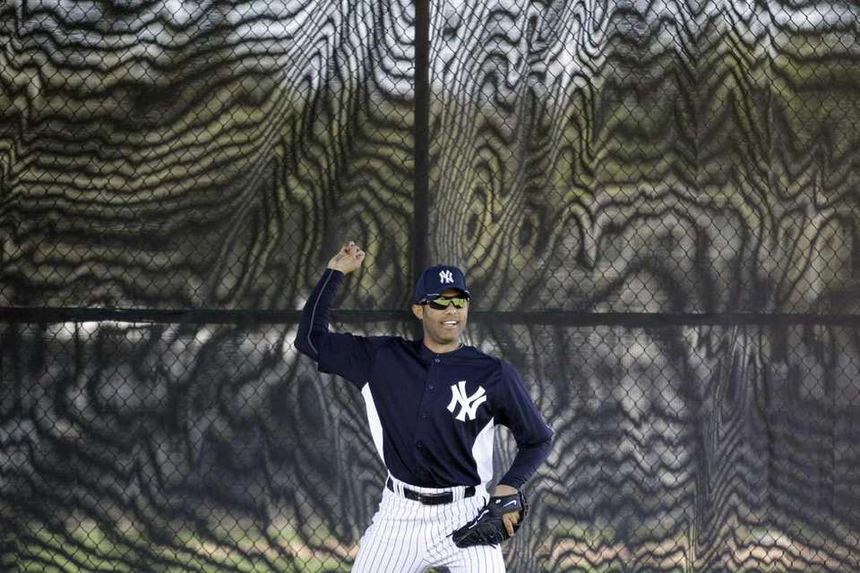 New York Yankees' Mariano Rivera practices during spring