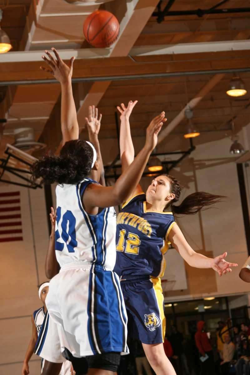 Northport HS's Allie Pavinelli shoot for two points