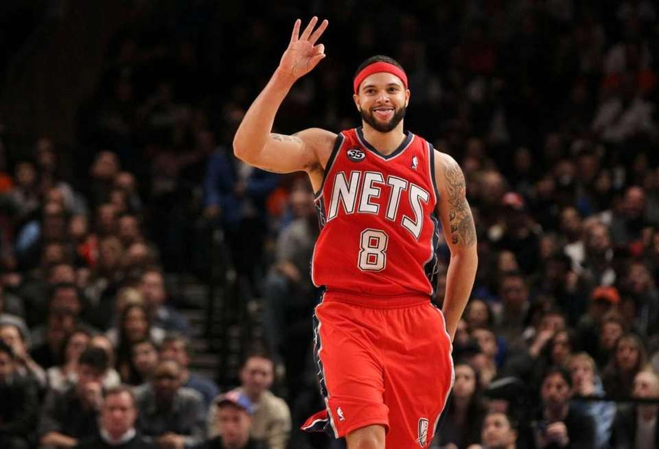 Deron Williams #8 of the New Jersey Nets