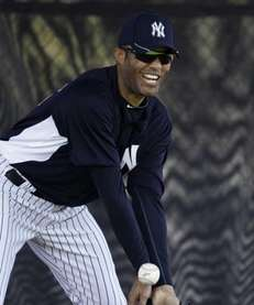 New York Yankees' Mariano Rivera fields a grounder