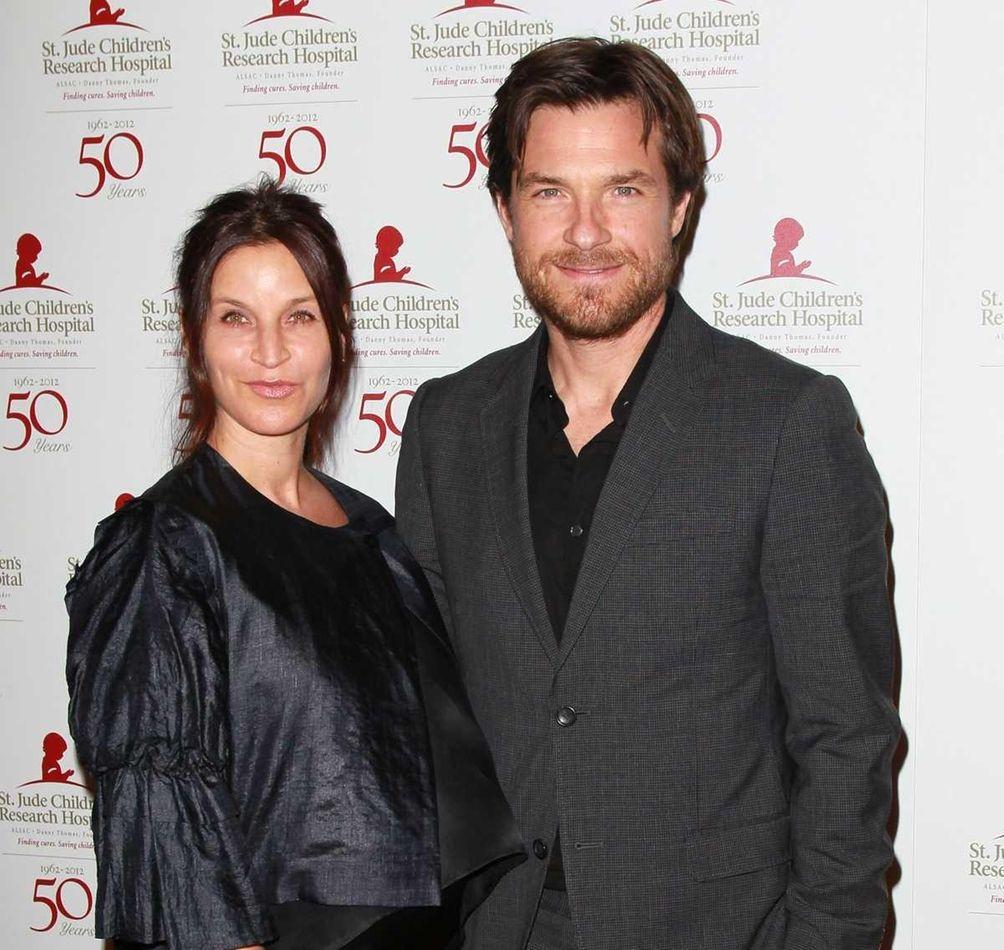 Parents: Jason Bateman and Amanda Anka Children: Maple,