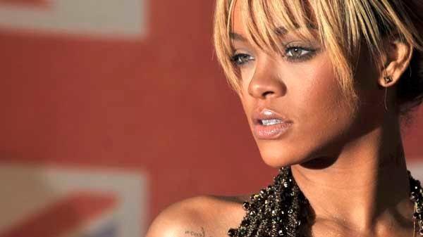 Amazing Rihanna Chris Brown Drop Birthday Cake Turn Up The Music Funny Birthday Cards Online Inifofree Goldxyz