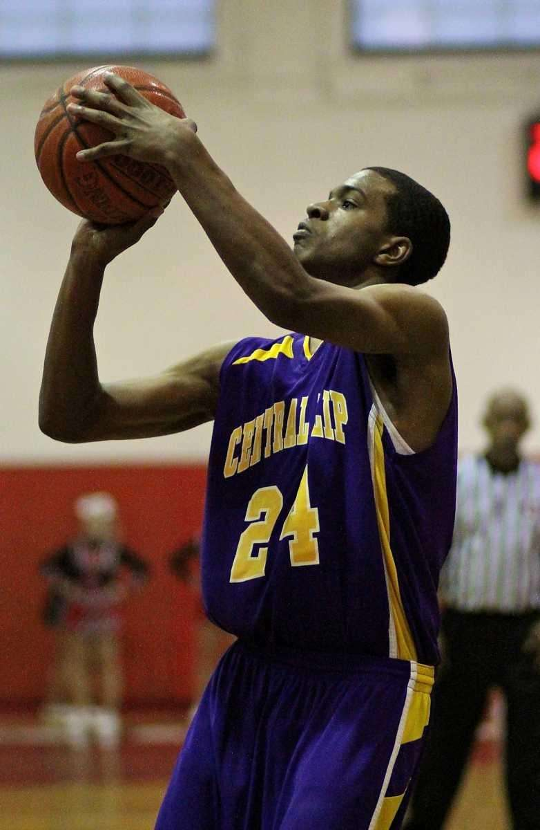 Central Islip's Dashawn Samuels #24 puts up the