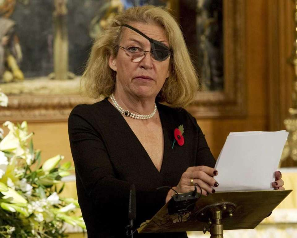 Marie Colvin of the British Sunday Times gives