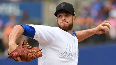 Mets starting pitcher Steven Matz delivers a pitch