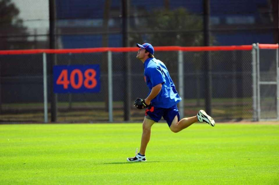 Mets outfielder Lucas Duda at spring training in