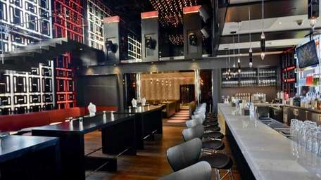 Monsoon Asian Kitchen and Lounge in Babylon is