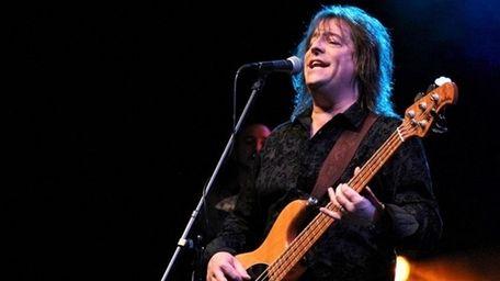 Mason Swearingen, lead singer in the Chicago tribute