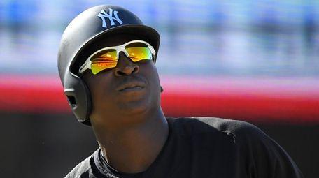 Yankees shortstop Didi Gregorius looks up after being