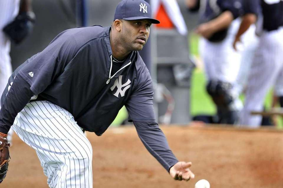 CC Sabathia does PFP drills at spring training
