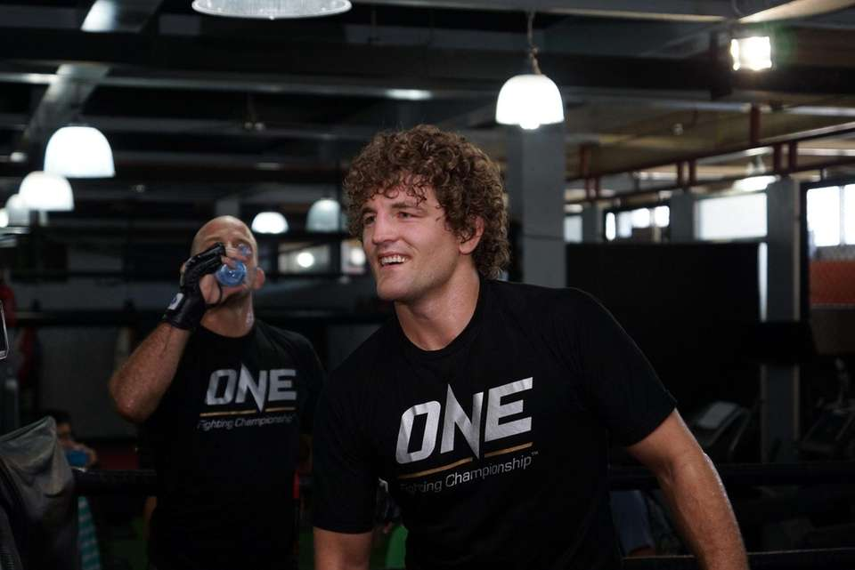 Askren won the Bellator welterweight title in October