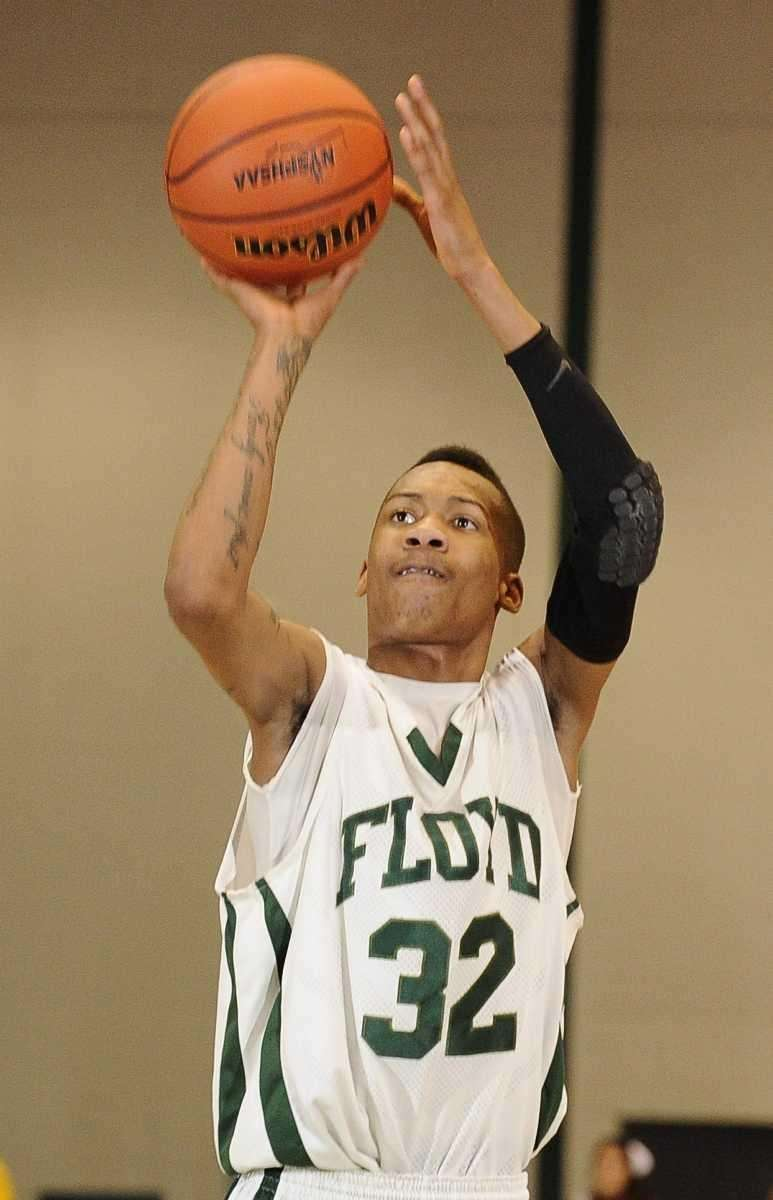 William Floyd's LaShon Washington sinks a free throw