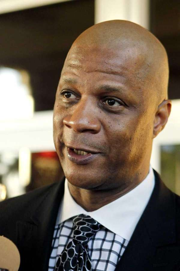 Former Mets outfielder Darryl Strawberry addresses the media