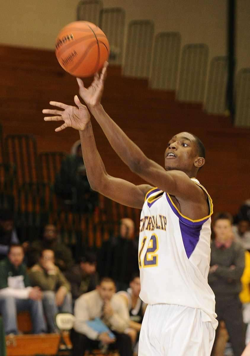 Central Islip's Tim McKenzie shoots from the top