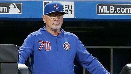 Manager Joe Maddon #70 of the Chicago Cubs