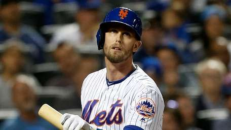 Jeff McNeil #6 of the Mets reacts as