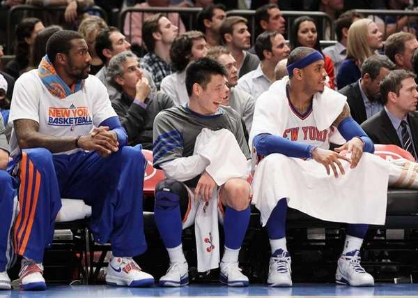 Amare Stoudemire #1, Jeremy Lin #17 and Carmelo