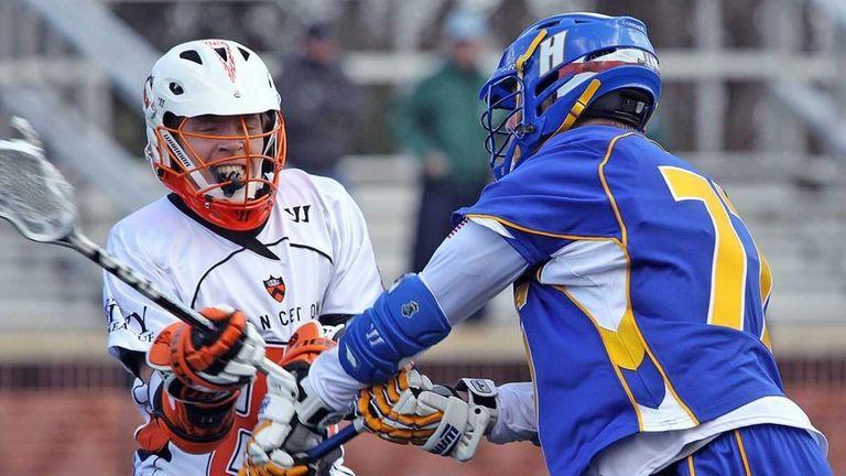 Princeton's Tom Schreiber tries to block a shot